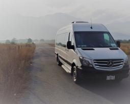 Para disfrutar al máximo de tus viajes: renta de vans con chofer