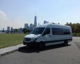 Renta de vans con chofer: algunos consejos para hacer inolvidable tu roadtrip